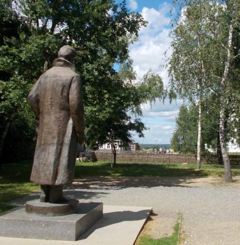 Константиново: памятник Сергею Есенину