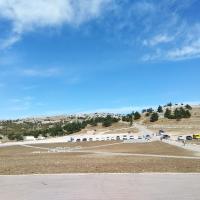 Стоянка частников и личных автомобилей на плато