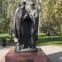 Памятник св. Петру и Февронии