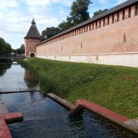 Водопад, пруд, стена (Лопатинский сад)