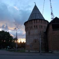 Громовая башня вечером