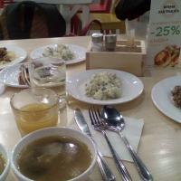Обедаем в BAZAR'е: супчик, салат столичный, спагетти, куриная печёнка с гречкой
