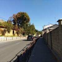 Бахчисарай, улица Гаспринского, обратите внимание на дорогу