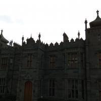 В архитектуре Воронцовского дворца помимо английских прослеживаются и персидские нотки