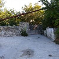 Здесь обманывают: вход в «Lodge Yukka»