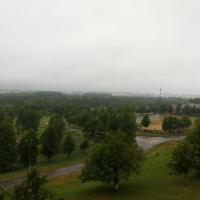 Вид из окна; справа по диагонали территория школы